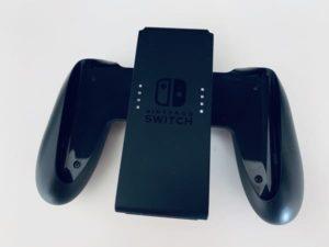 ジョイコンをコントローラー型にするSwitch付属品