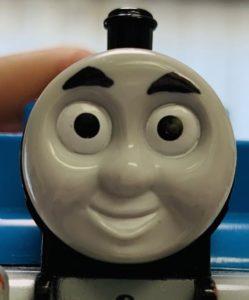 トーマスプラレールの眉毛